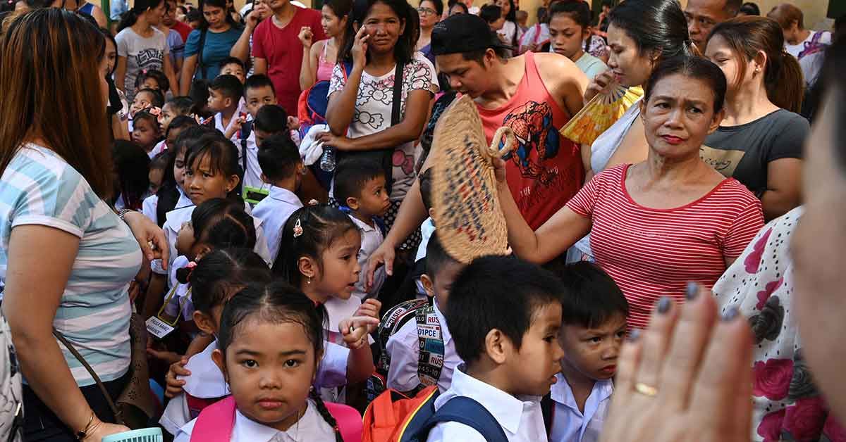 """Read more about the article """"Blended Learning"""" In Virus-Hit Philippines"""
